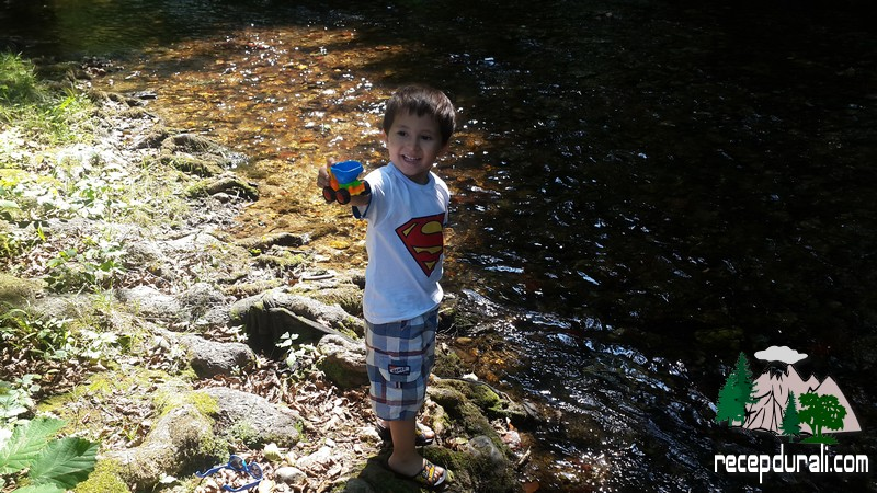 Kamyonet İle su Taşıyoruz