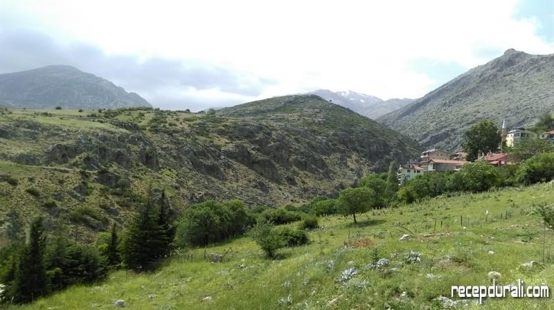Dağların Arasında Barla