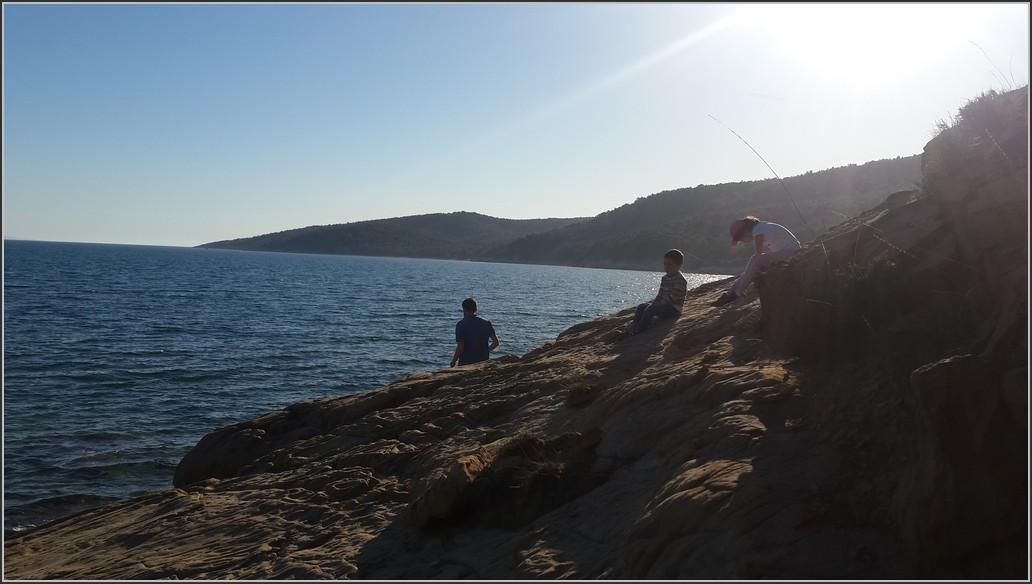 Kayalıklardan deniz seyri